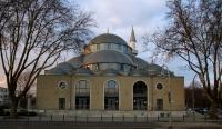Merkez-Moschee, Bild von -ani-, Wikipedia, Lizenz: cc-by-sa 3.0