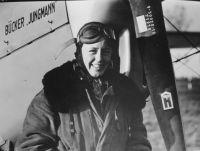 Beate Uhse als Fliegerin, Ende der 1930er Jahre. (c) Foto: Beate-Uhse-Archiv, Forschungsstelle für Zeitgeschichte, Hamburg