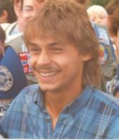 Olaf Thon bei der Saisoneröffnung auf Schalke 1987, Bild von KV 28, Wikipedia, Lizenz: cc-by-sa 3.0